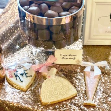 Chocolate-Bar-Dessert-Table-Platters-Chocolates-Sweet-Consultations-Shortbread-Cookies