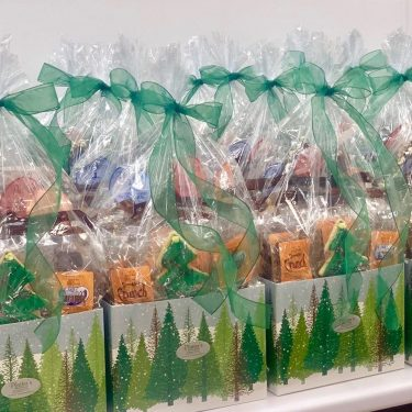 Gift-Baskets-Corprate-Chocolate-Sweet-Consultations-by-Plater's-Chocolates